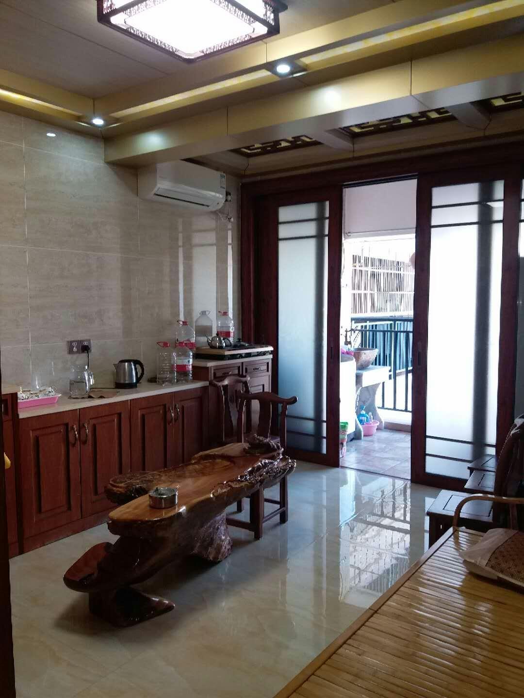 香槟花园 2室2厅1卫1阳台 86平米
